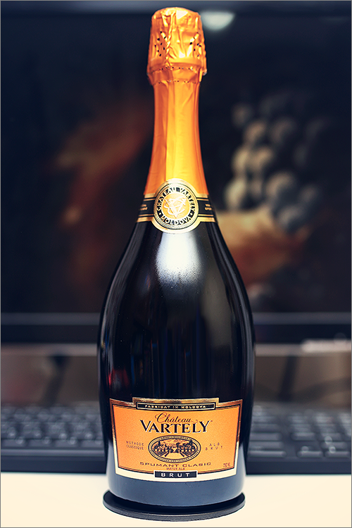 CHATEAU_VARTELY_Spumant_Clasic_Brut_2013