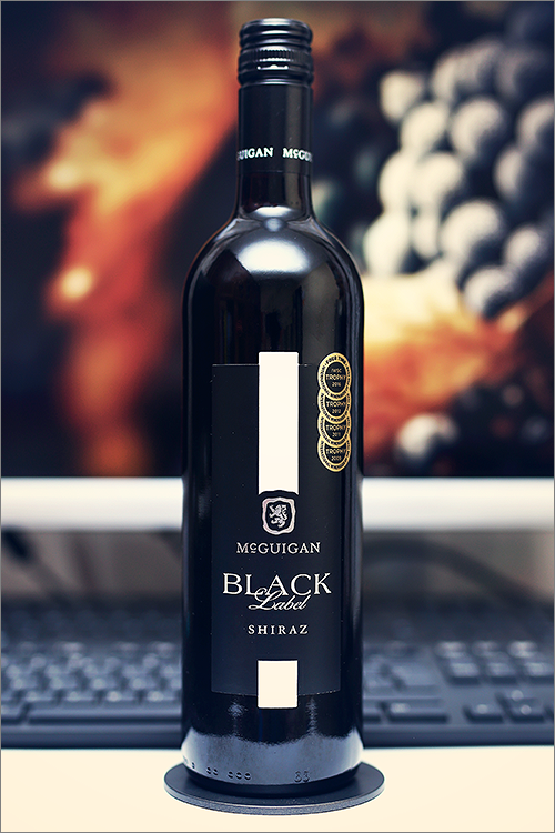 MCGUIGAN_Black_Label_Shiraz_2017